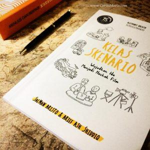 Foto dari buku Kelas Skenario: Wujudkan Ide Menjadi Naskah Film yang diterbitkan oleh Esensi – Penerbit Erlangga Group